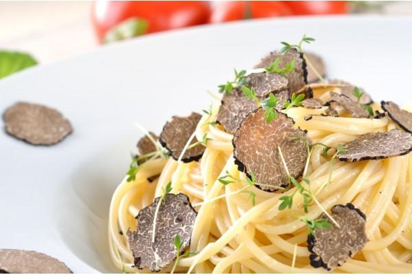 Creamy Spaghetti with Grana Padano & Black Truffle